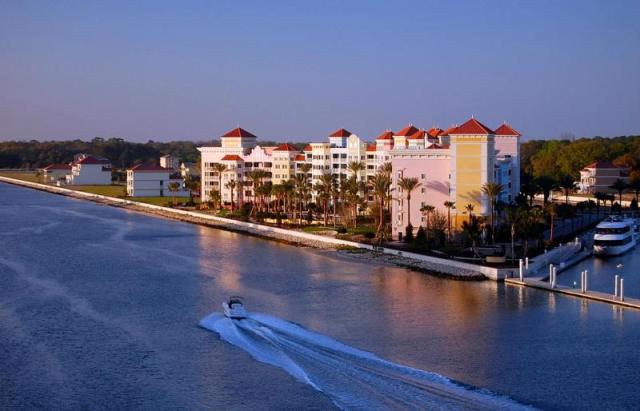 yacht harbor condominium